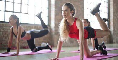 ejercicios para gluteos con mancuernas