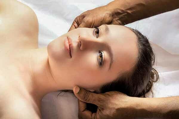 como hacer masajes para el cuello