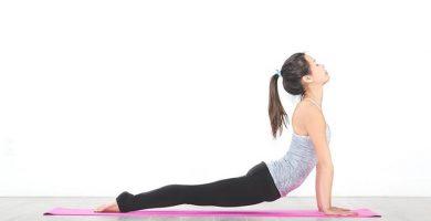 posiciones de yoga para abdominales