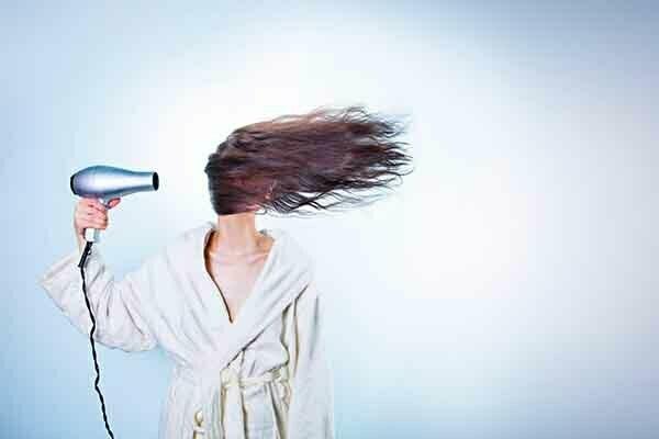 es malo lavarse el pelo todos los dias